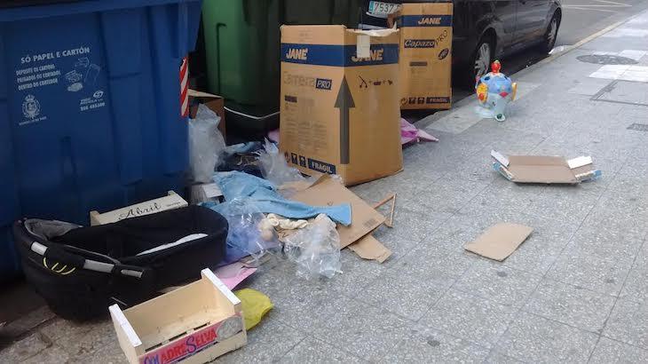 Por favor, no lo dejes al lado de la basura, por Ana González Somoza