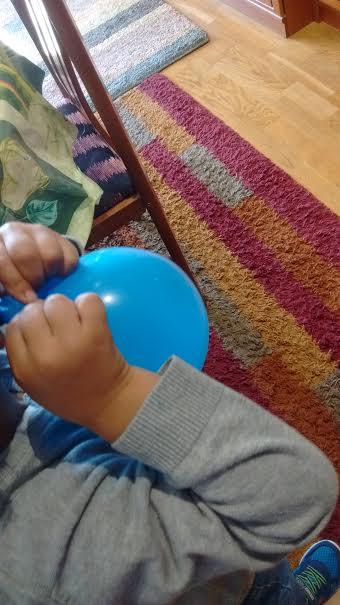 Jugando con globos y algo más, por Ana González Somoza