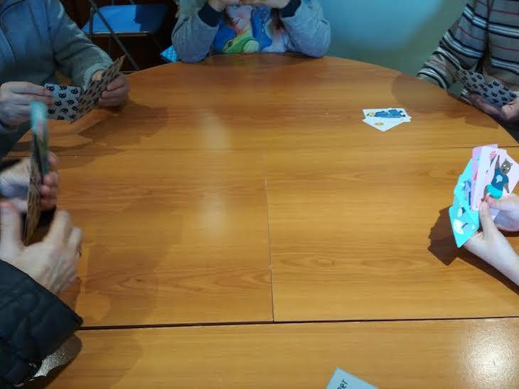 Jugando a juegos de cartas